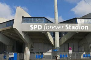 April, April: Nein, aus dem ehemaligen Ruhrstadion zu Bochum wird nicht das SPD forever Stadion...