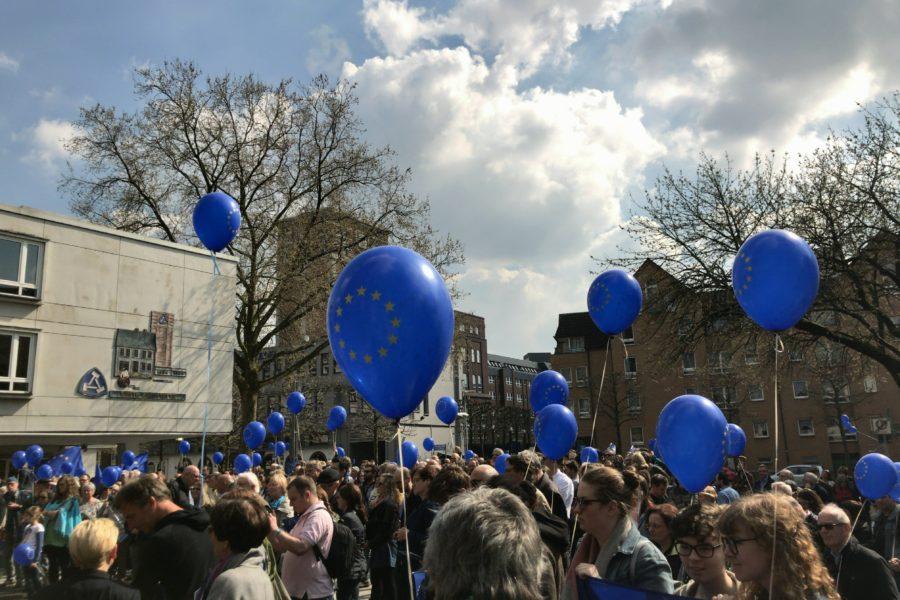 Pulse of Europe Bochum: Europa-Ballons