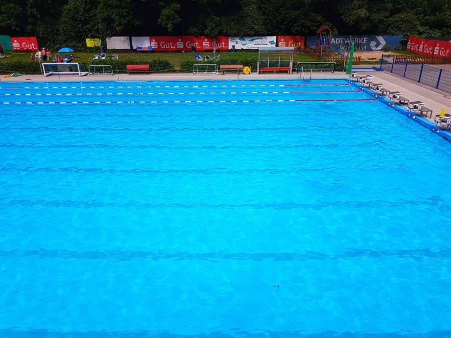 S.V. Blau-Weiss: Schwimmbecken (Bild bearbeitet, Ursprungsbild: Dirk Ernesti)