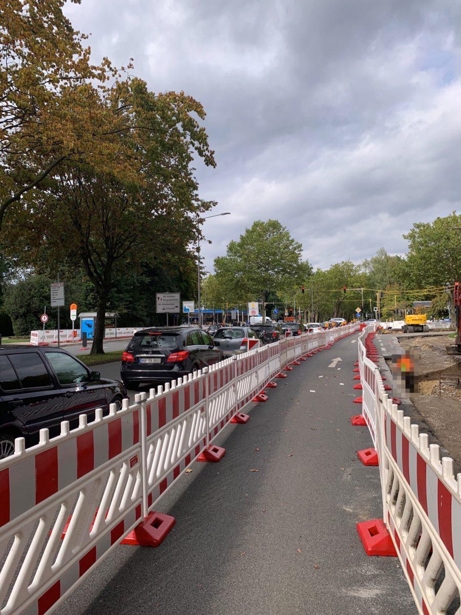 Kreuzung Königsallee/Wasserstraße Richtung Innenstadt (einspurig während der Baustellenphase)