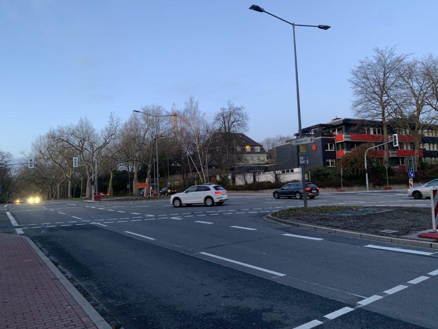 Kreuzung Königsallee/Wasserstraße - Richtung Innenstadt
