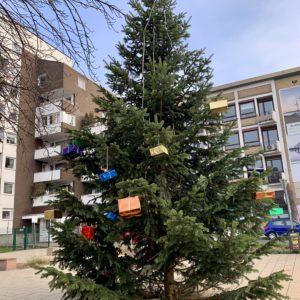 Weihnachtsbaum am Tana-Schanzara-Platz (2019)