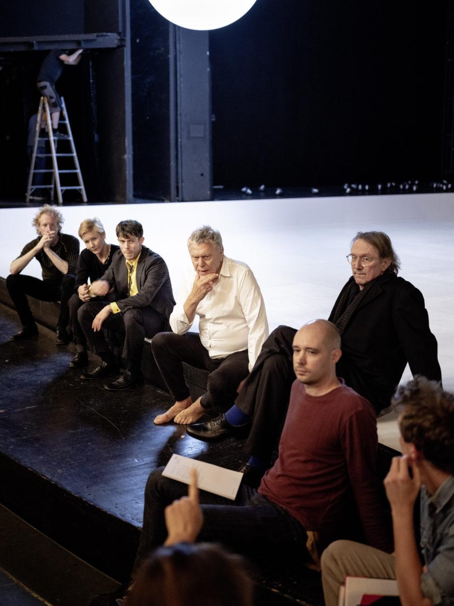 Probe Hamlet: Konstantin Bühler, Sandra Hüller, Ulvi Teke, Johan Simons, Jeroen Versteele, Bernd Rademacher (c) JU Bochum