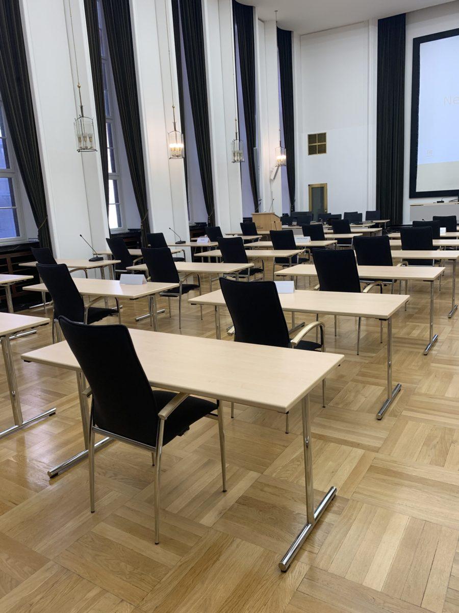 Leerer Ratssaal in Bochum