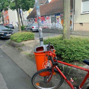 """Mülleimer an der Ehrenfeldstraße - wieder da! (oder ein """"nachher""""-Bild der #MängelmelderSafariBO)"""