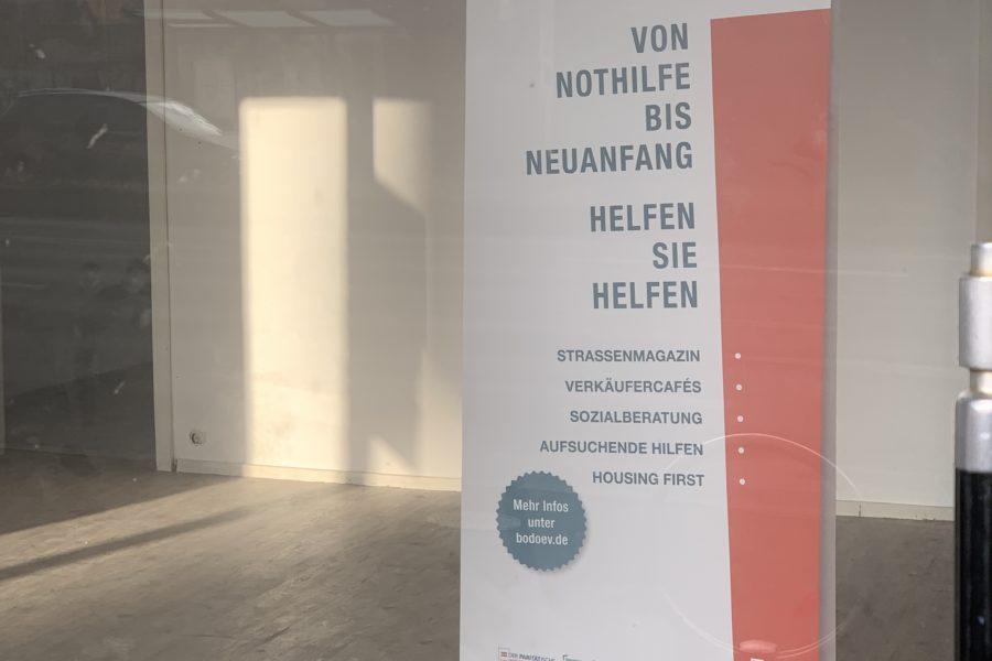 """Banner """"bodo schafft Chancen"""" im Laden an der Königsallee im Bochumer Ehrenfeld"""