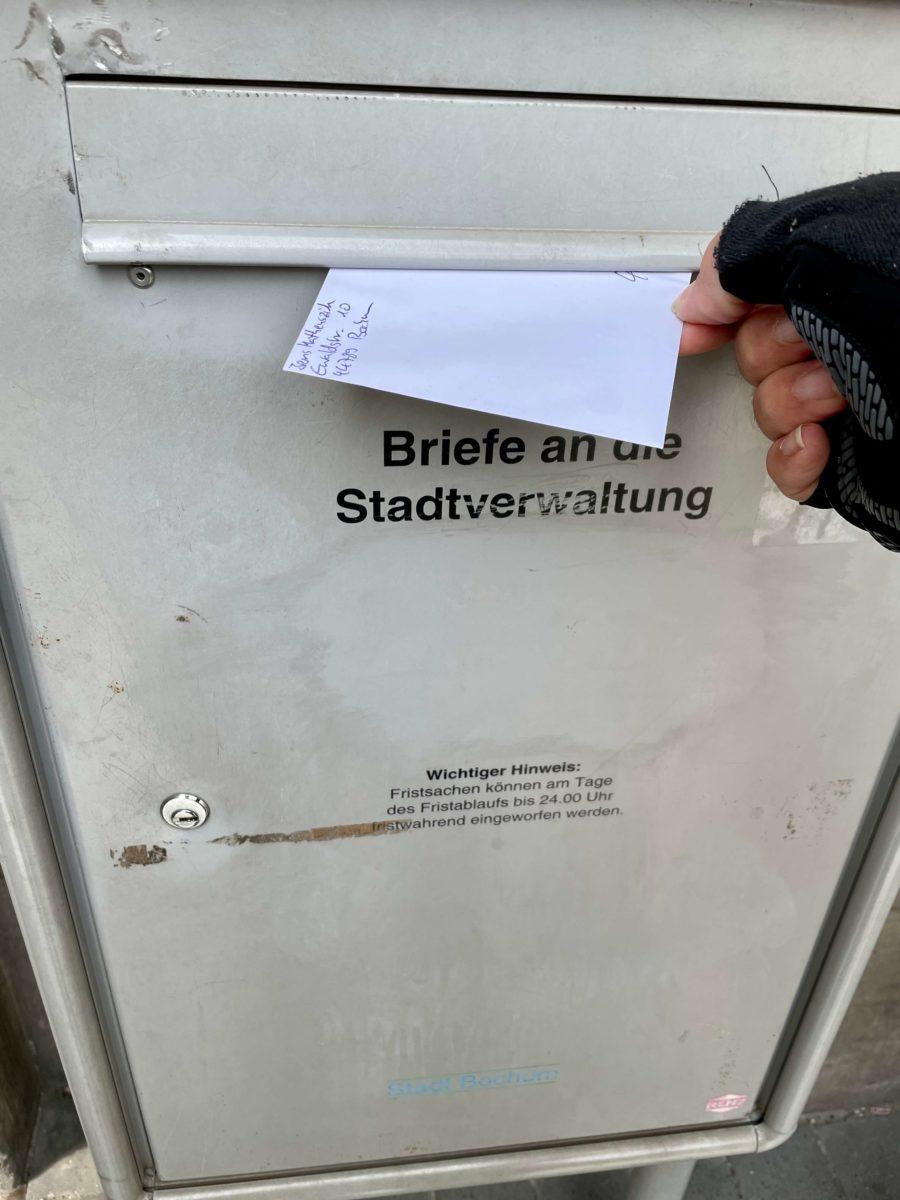 Einwurf in den städtischen Briefkasten