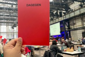 DAGEGEN (Abstimmungskarte im Rat der Stadt Bochum)