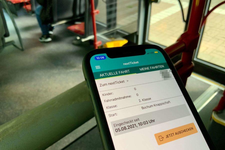 NextTicket-App im Bus