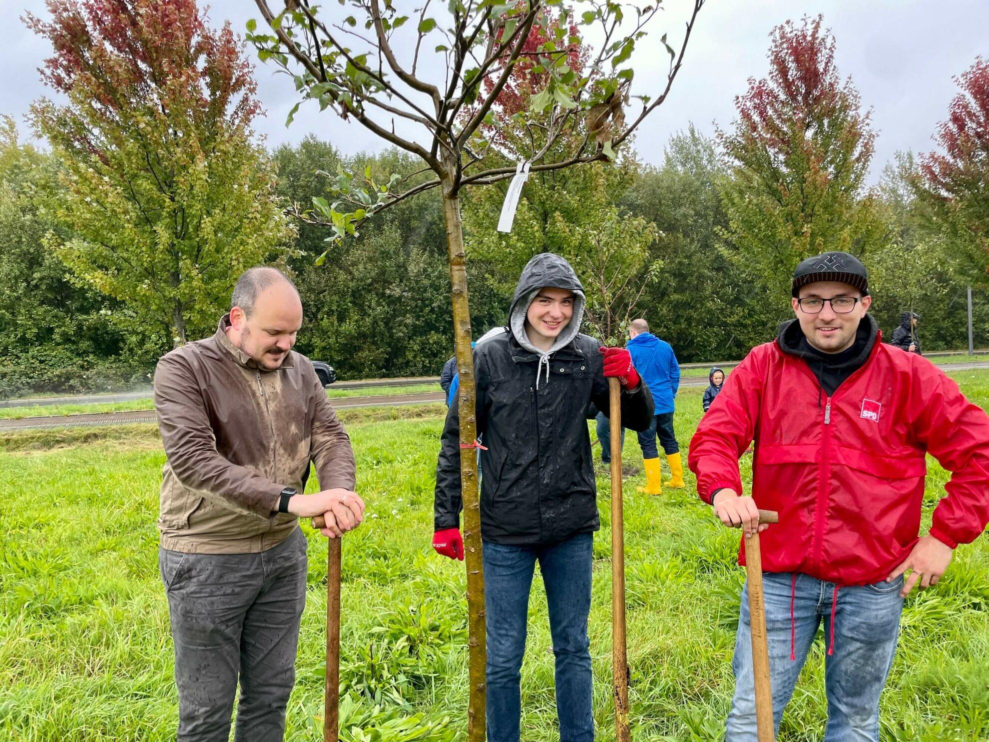 Einheitsbuddeln 2021: Alexander Knickmeier, Christian Kalisch und Lennart Schnell